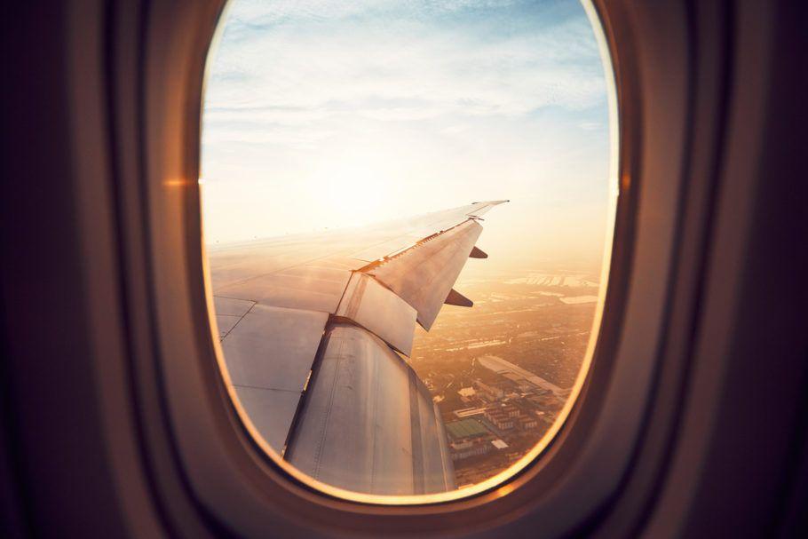 viajar-de-aviao-seus-direitos-910x607
